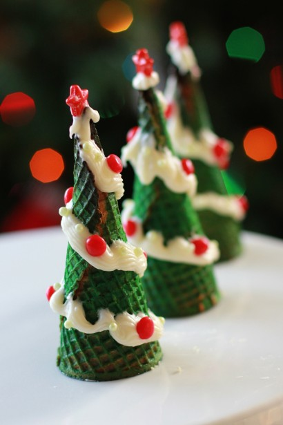 Cupcake Filled Christmas Tree Cones