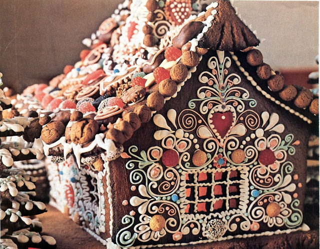 Gingerbread House 14