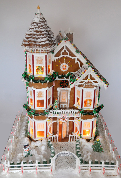 Gingerbread House 22