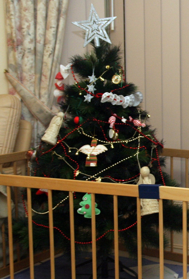 Toddler Proof Christmas Tree.10 Tips On How To Toddler Proof Your Christmas Tree