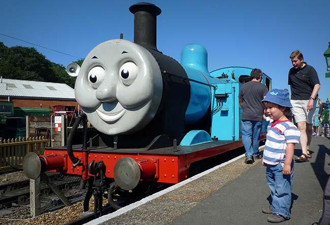 meet-thomas-the-tank-engine-and-friends-photo1-650